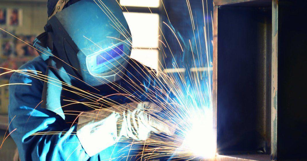 Schweißer ist ein typischer Handwerksberuf.